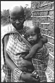 Masai mother and baby. 17kb